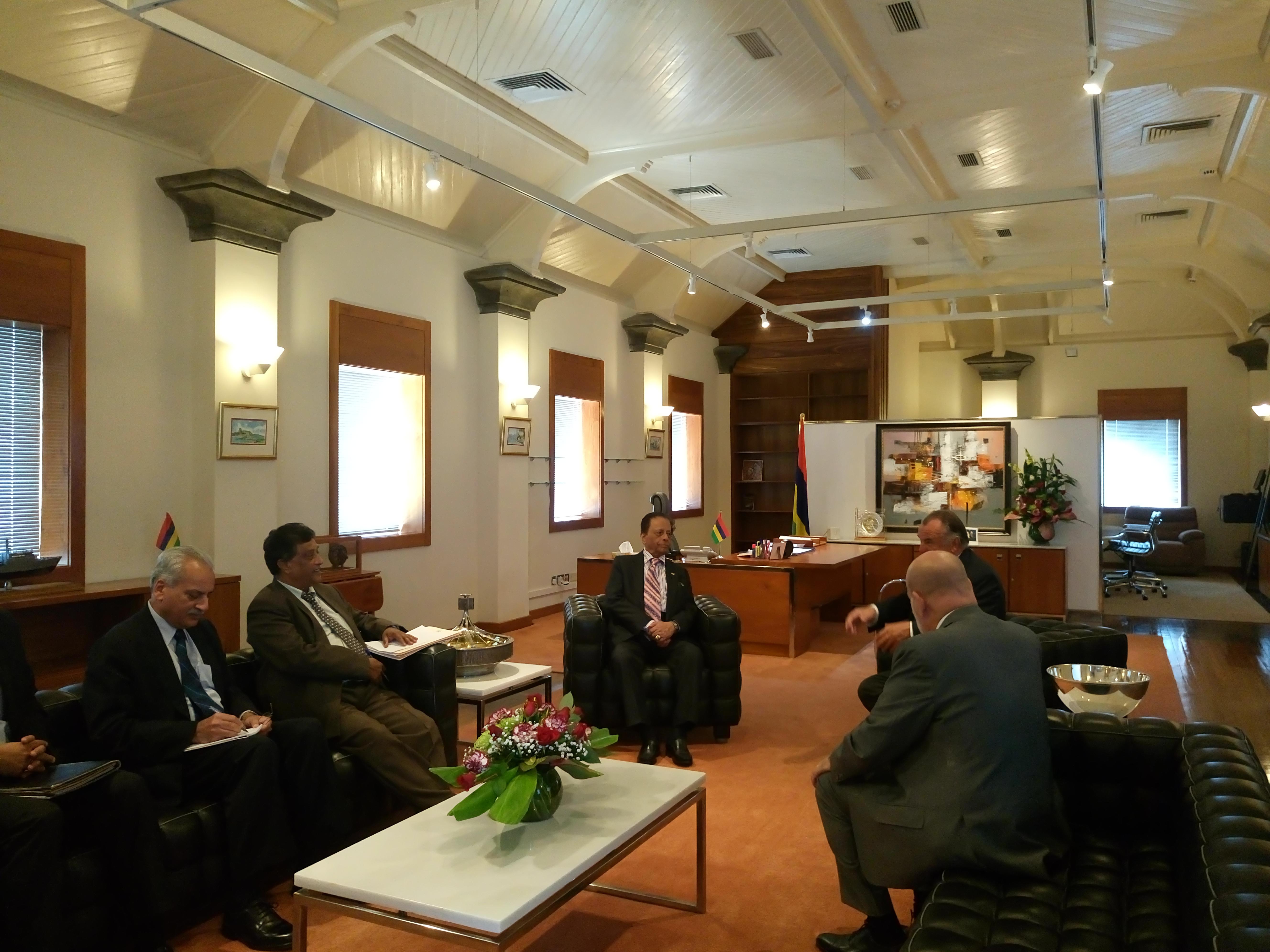 Visite du d put marsaud maurice rencontre avec le for Chambre de commerce de maurice