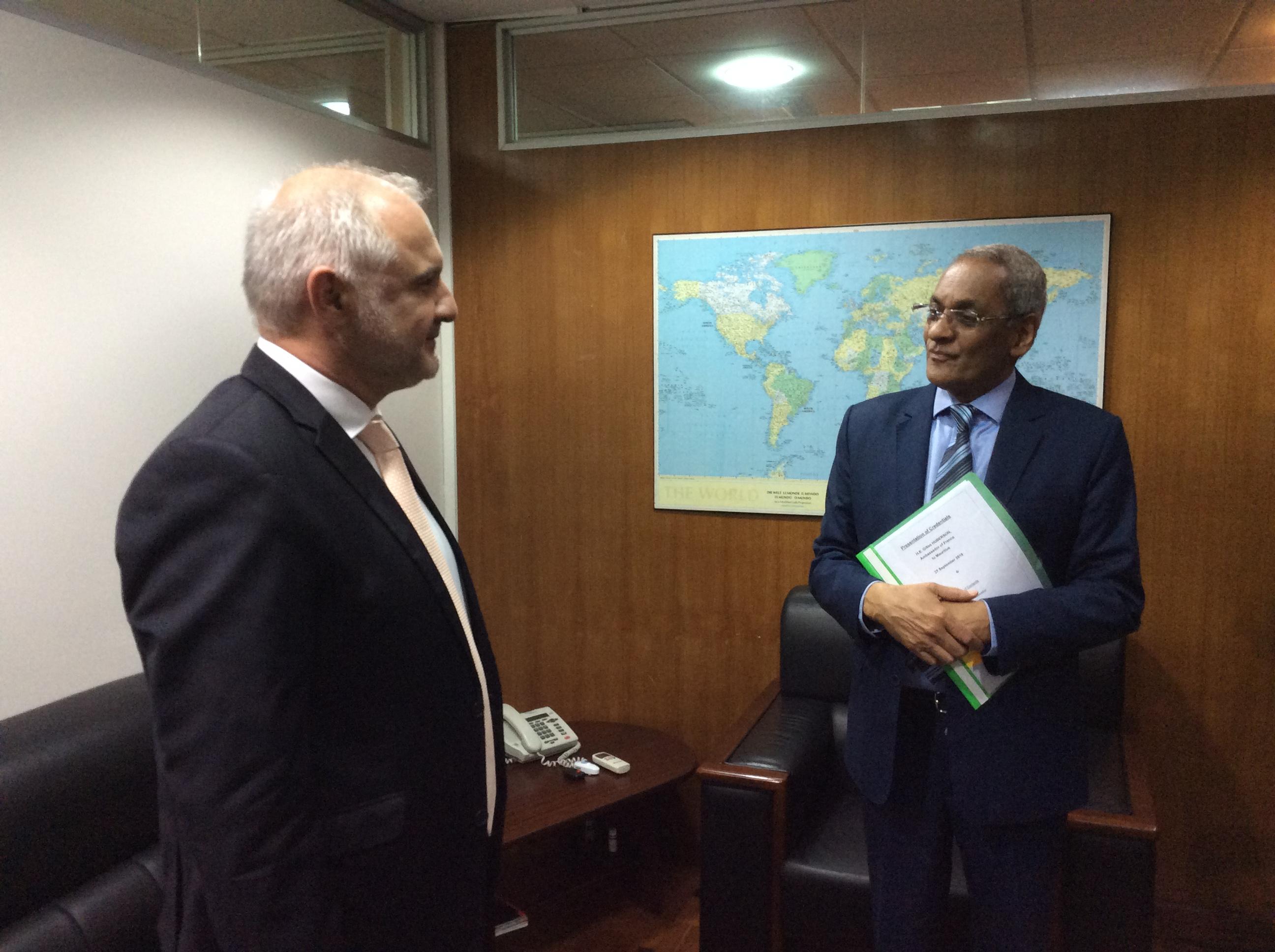 Rencontre de l ambassadeur avec le ministre des affaires for Chambre de commerce maurice